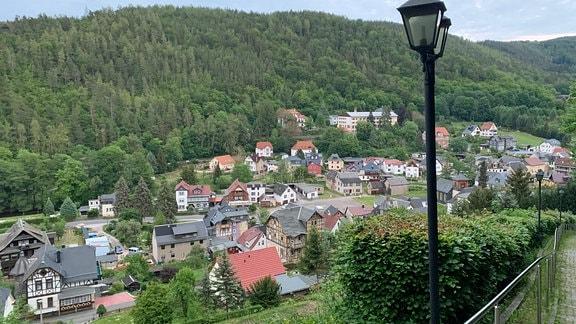 Blick auf Schwarzburg im Schwarzatal