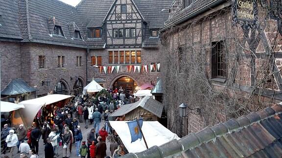 Historischer Weihnachtsmarkt auf der Wartburg Eisenach