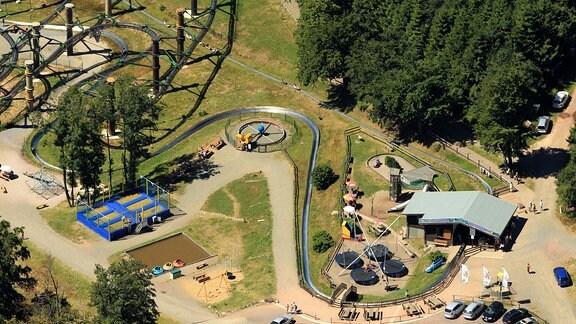 Luftbilder BROTTERODE, 02.08.2013, Funpark Inselsberg mit Wie-Flyern und Sommerrodelbahn