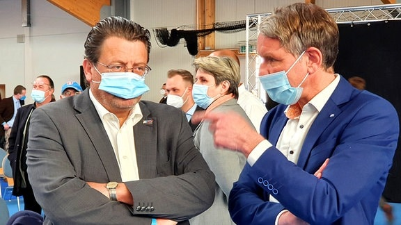Thüringens AfD-Vorsitzender Björn Höcke mit AfD-Bundestagsmitglied Stephan Brandner