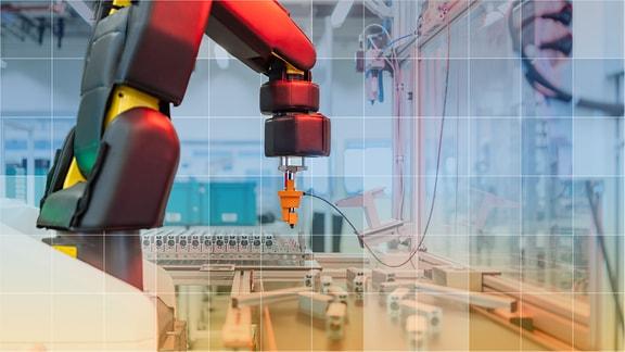Roboter in Werkhalle