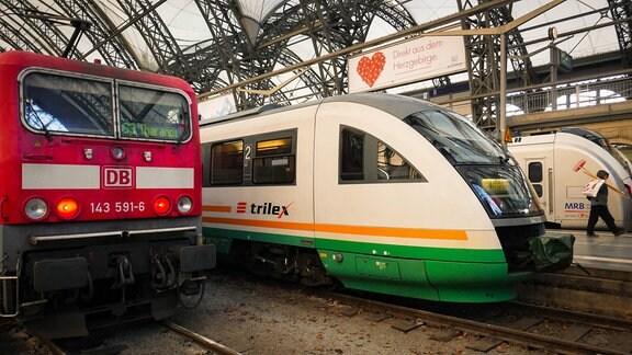 Trilex-Zug im Hauptbahnhof Dresden