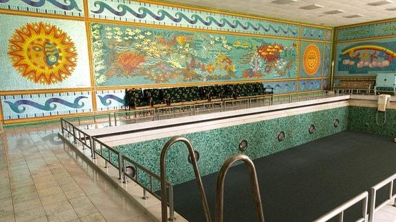 Schwimmbad in Ceausescu-Villa, Bukarest