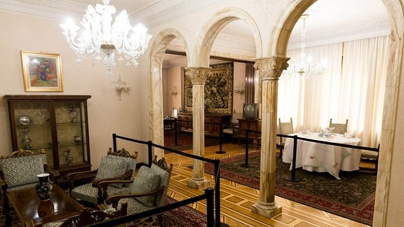 Blick in Speisezimmer in Ceausescu-Villa, Bukarest