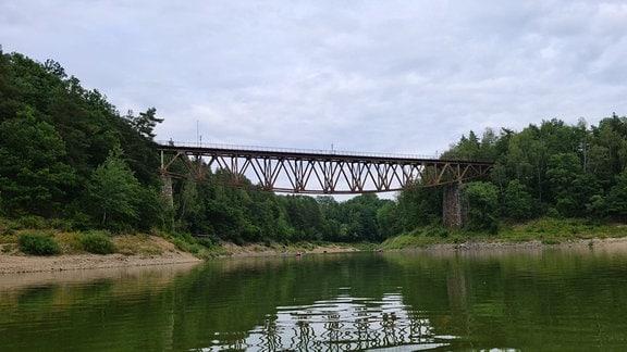 Eisenbahnbrücke bei Pilchowice in Polen