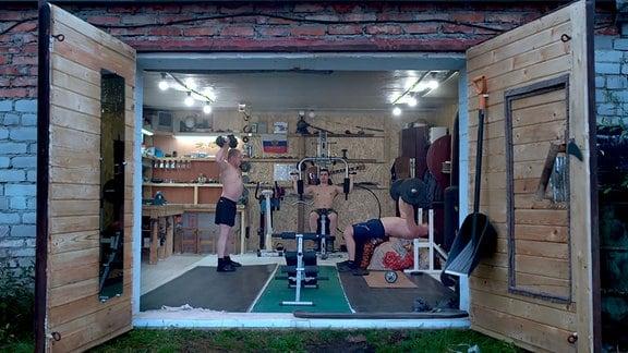 Fitnessstudio in einer Garage