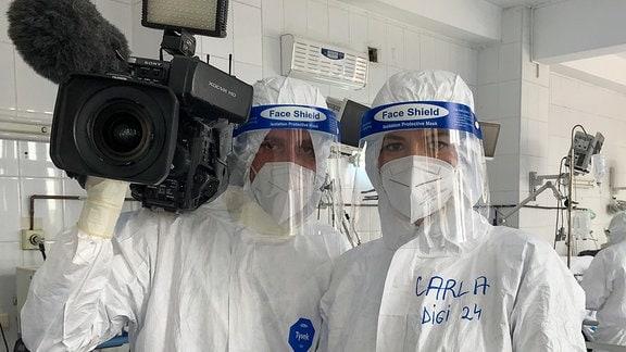 Journalisten des rumänischen Senders Digi24 drehen eine Doku-Serie auf einer Corona-Intensivstation