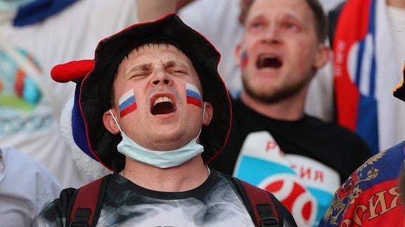 Enttäuschter russischer Fan auf EM-Fanmeile in Sankt Petersburg