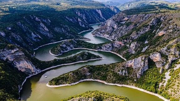 Der Uvac-Fluss in Serbien