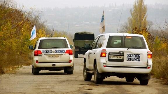 OSCE-Jeeps in der Ukraine