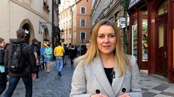 Helena Sulcova in Prager Altstadt