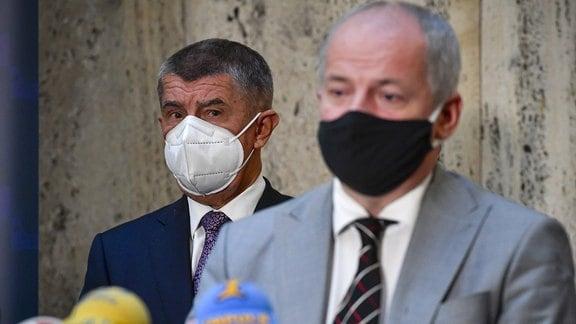 Roman Prymula mit Mund/Nasenschutz
