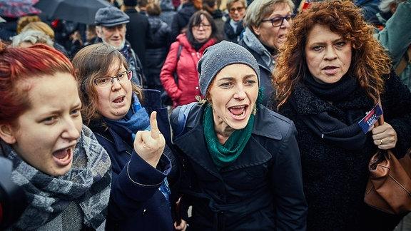 Protest in Warschau gegen Abtreibungsgesetz