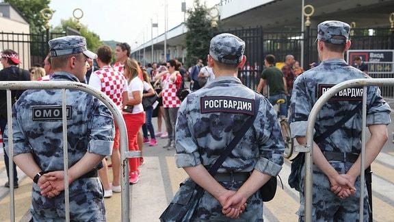 Russische Spezialkräfte Omon und Rosgwardija.