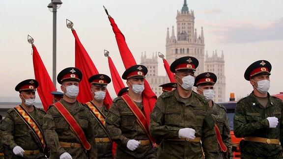 Soldaten bei einer Parade