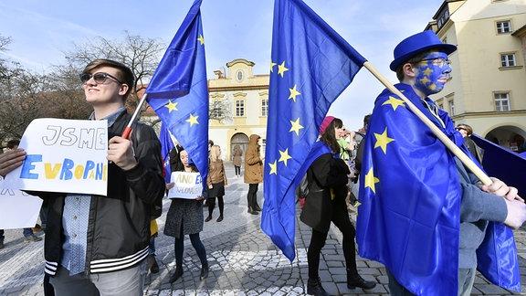 Unterstützer der Europäischen Union nehmen am Marsch für Europa, im Zentrum von Prag teil, um den 60. Jahrestag der Römischen Verträge zu feiern
