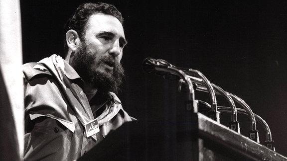 Fidel Castro bei einer Rede, 1966