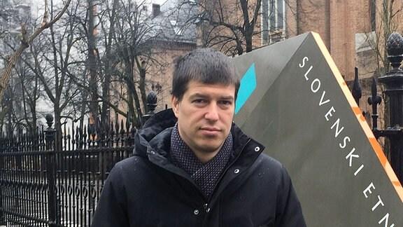 Der Schriftsteller Goran Vojnović.