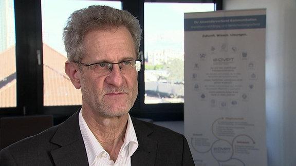 Klaus Gettwart vom Deutscher Verband für Post, Informationstechnologie und Telekommunikation (DVPT) im Interview