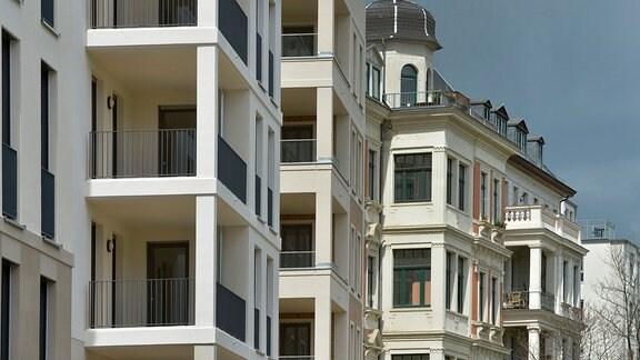Eine Baulücke wird mit einem Neubau geschlossen