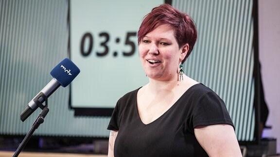 Evelyn Miksch aus der Redaktion Telemedien präsentierte mit S.M.I.L.E ein neues Konzept zur Gestaltung von Social Media-Inhalten.