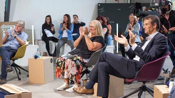 Zur Jury des Pitchdays gehörten unter anderem Sandro Viroli (Landesfunkhausdirektor MDR Sachsen), Jana Brandt (Programmdirektorin Halle) und Klaus Brinkbäumer (Programmdirektor Leipzig) (v.r.n.l.).