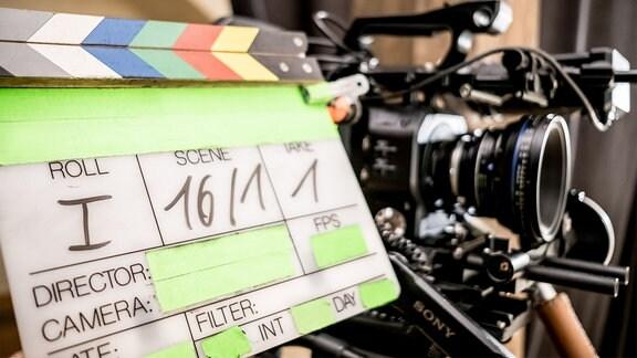 Filmklappe Dreharbeiten Symbolbild
