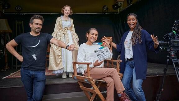 """Drehstart zur 25. Staffel """"Schloss Einstein:  v.l.n.r.: Regisseur Nils Dettmann, Matilda Willigalla, Sophia Leonie Mauritz und Liz Baffoe"""