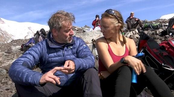 Päuschen am Vulkan - Torsten im Gespräch mit Jelena