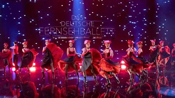 Mit einer großen Show ehrt das MDR-Fernsehen die langjährige künstlerische Arbeit des Deutschen Fernsehballetts. Das Ensemble löst sich Ende des Jahres auf. Die TV-Show wird am 31. Oktober um 20.15 Uhr im MDR-Fernsehen gesendet. Moderiert wird die Show von Ross Antony.