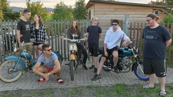 Die Simsonbande, fast vollständig - Arian, Alara, Arvid, Luci, Nils, Schnesti und Max