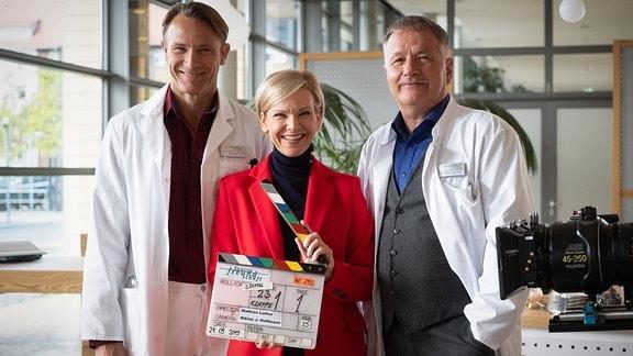 v.l.: Dr. Martin Stein (Bernhard Bettermann), Dr. Kathrin Globisch (Andrea Kathrin Loewig) und Dr. Roland Heilmann (Thomas Rühmann)