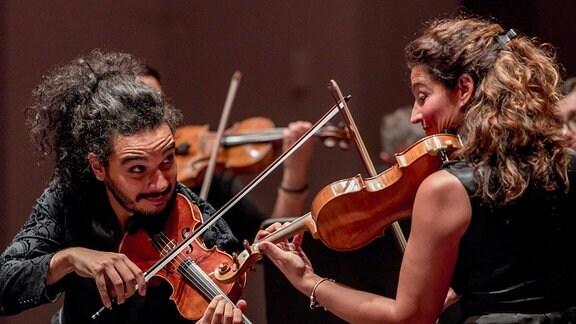 MDR Musiksommer - Doppelsinnig. Mit der Geiger Nemanja Radulović und Tijana Miloševićam 09.08.2019 im Festspielhaus Dresden-Hellerau.