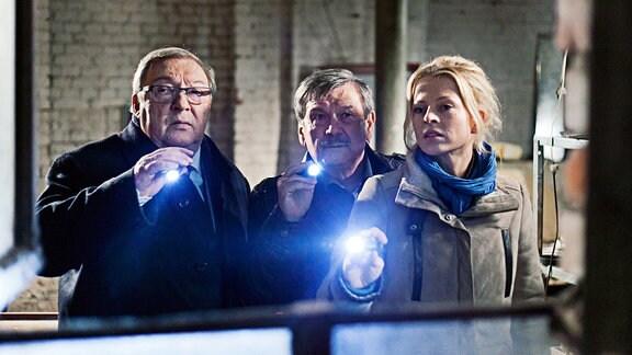 Jaecki Schwarz als Schmücke, Wolfgang Winkler als Schneider und Isabell Gerschke als Nora Lindner
