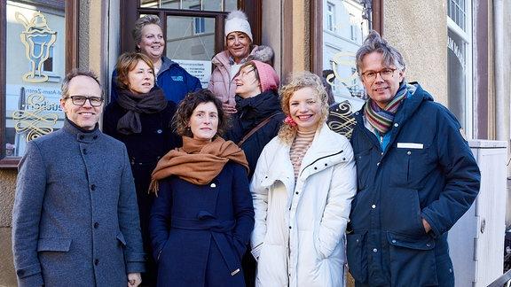 Claas Danielsen (MDM), Corinna Harfouch, Gabriela Maria Schmeide, Meike Götz (MDR), Ulrike Krumbiegel, Katharina Marie Schubert, Luisa-Céline Gaffron, Ingo Fliess (if… Productions) (v.l.)
