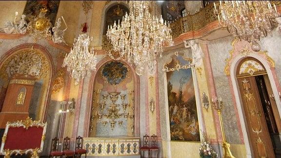 Rokoko-Saal im Schloss Heidecksburg mit Deckengemälde