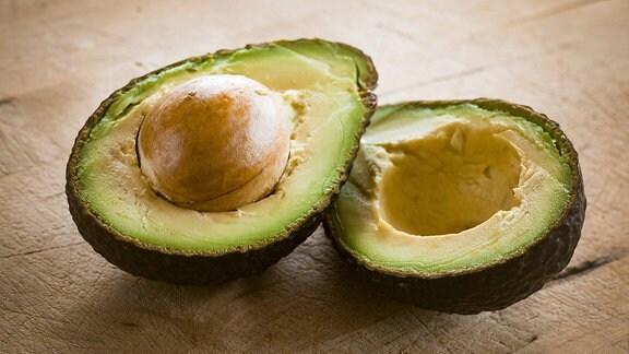 Aufgeschnittene Avocado