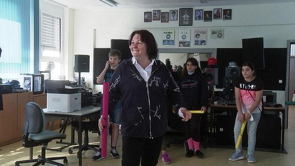 Schulleiterin Mandy Rauchfuß unterrichtet Musik.