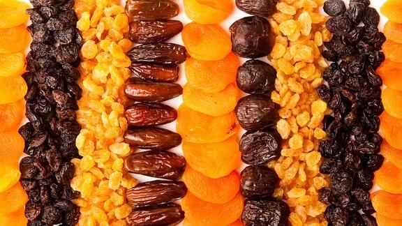 Verschiedene Trockenfrüchte
