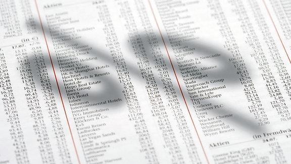 Aktienkurse in Zeitung.