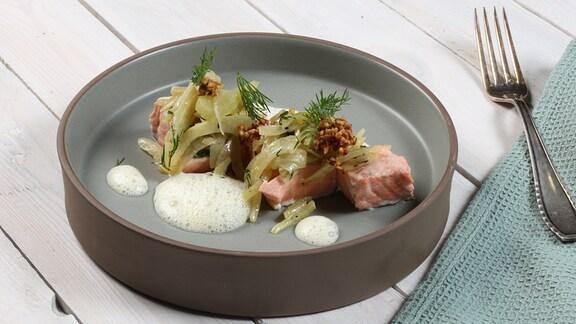 Robin Pietsch kocht Frisches Fenchelgemüse mit Fisch