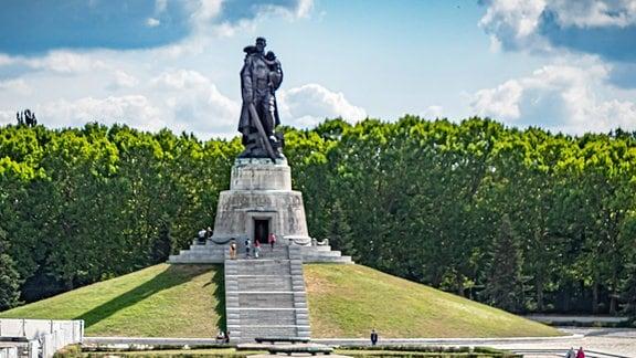 Sowjetisches Ehrenmal im Treptower Park in Berlin