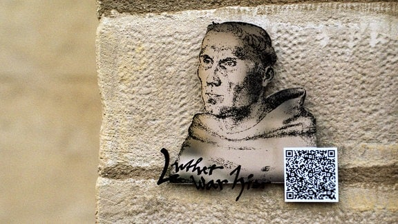 Luther-Tafel mit QR-Code