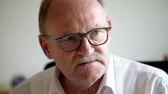 Allein auf Station: Auskunft gibt auch Karl H. Beine, Professor für Psychiatrie und Psychotherapie an der Universität Witten-Herdecke