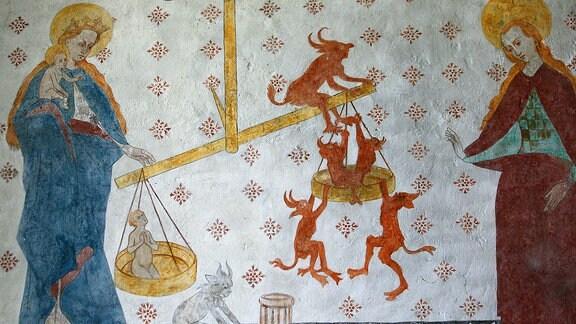 Eine Wandmalerei zeigt - Das jüngste Gericht