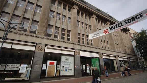 Blick auf das ehemalige Horten-Kaufhaus in der Geraer Sorge.