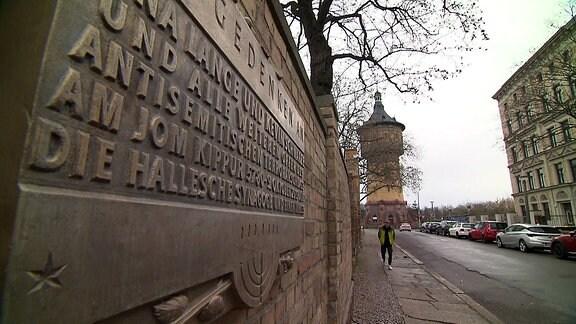 """Was die """"Neuen Zeitzeugen"""" in Halle antreibt"""