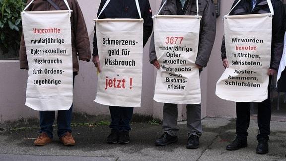 Protest gegen sexueller Missbrauch am Rande der Frühjahrs-Vollversammlung der Deutschen Bischofskonferenz in Mainz am 03.03.2020.