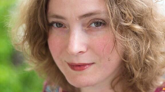Porträt der ukrainischen Schriftstellerin Svetlana Lavochkina