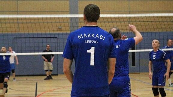Die Volleyballer von Makkabi Leipzig beim Training in der Sporthalle am Rabet
